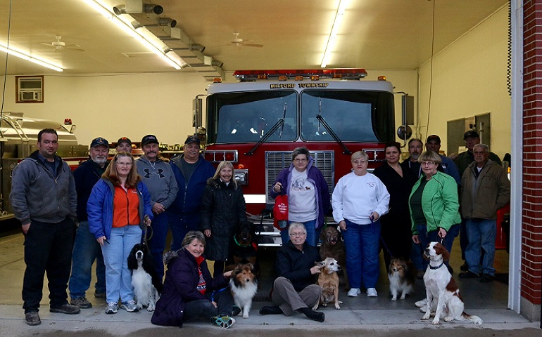 Hamilton Dog Training Club Donates Masks