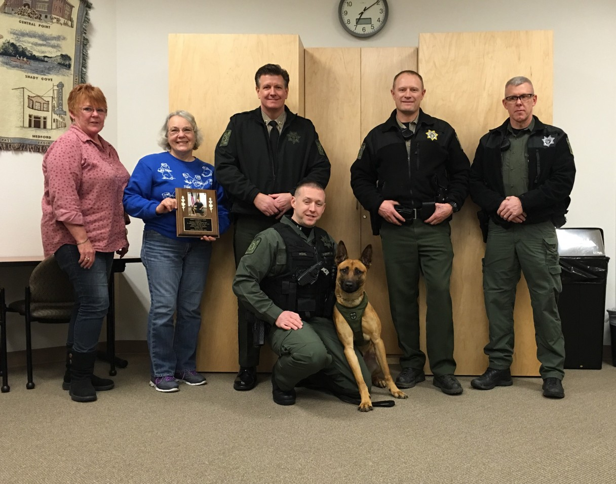 Southern Oregon Kennel Club Donates Money for a K9