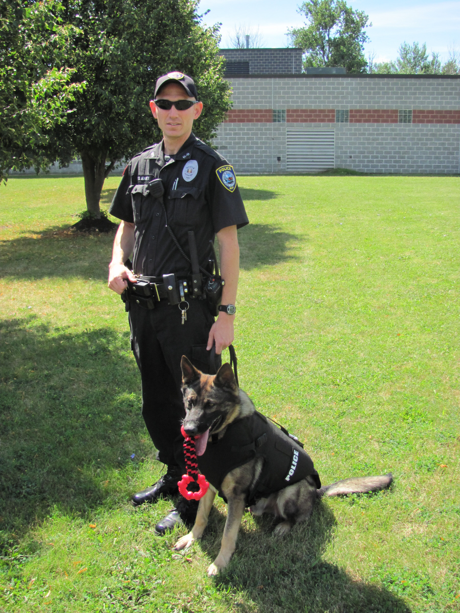k-9 officer and handler