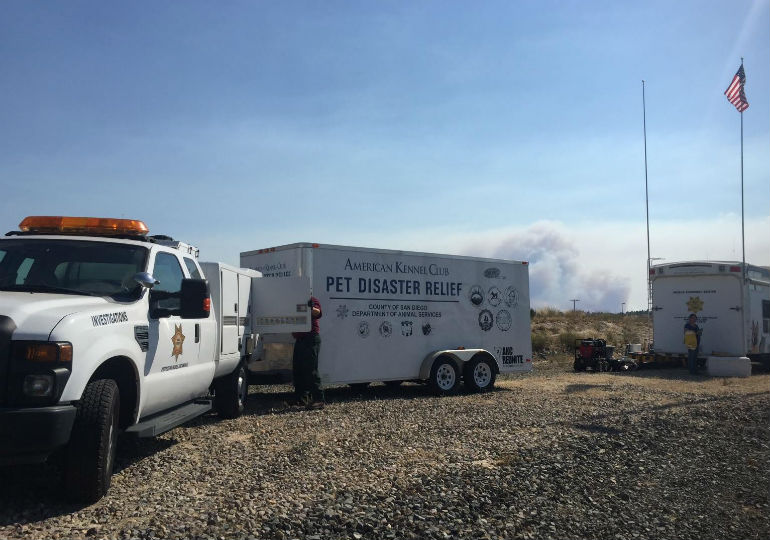 AKC Reunite Pet Disaster Relief Trailer Deployed To Border Fire in San Diego