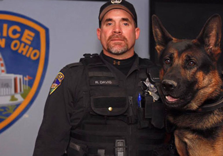 11-Year-Old Girl Donates Allowance to Buy K-9s Bulletproof Vests - thumbnail