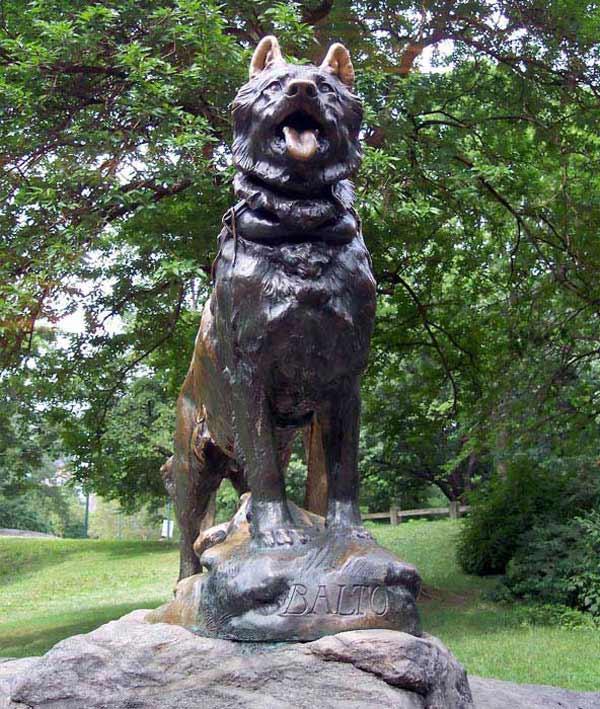 estatua de balto