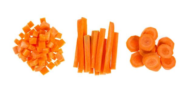 chó ăn cà rốt